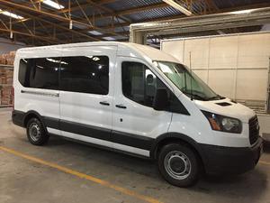 Ford Transit Van  para 15 pasajeros IMPECABLE