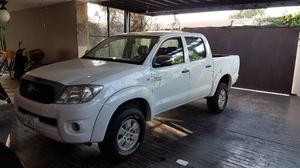 TOYOTA HILUX SR  IMPECABLE
