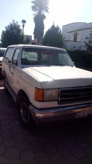 Ford Bronco 4 x