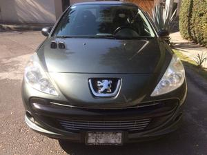 Peugeot 207 Sedán