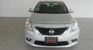 Nissan Versa ()