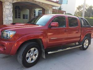 Toyota TACOMA TRD SPORT  CON ACCESORIOS GRATIS