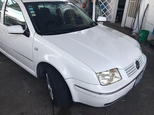 Volkswagen Jetta Sedán  con clima