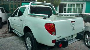 Pick Up Mitsubishi Lx4