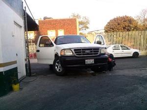 Pick up Ford F- recien ajustada