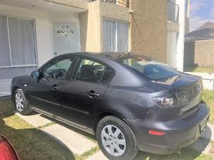 Mazda Mazda 3 Sedán  /Acepto Laptop