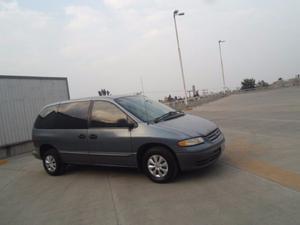 Chrysler Voyager Minivan