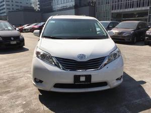 Toyota Sienna p XLE aut