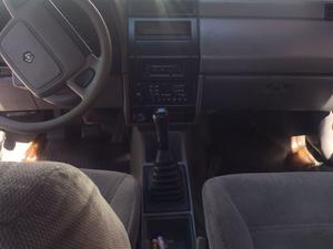 Chrysler Shadow Sedán