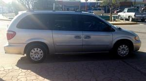 Chrysler Town & Country Familiar