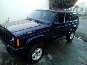 Jeep Cherokee Sport 4 x