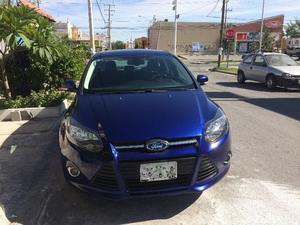 Ford Focus Hatchback  Azul Automatico Deportivo