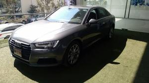 Audi A4 Sedan Select 252hp