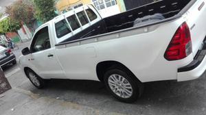 Toyota Hilux 2pts Batea