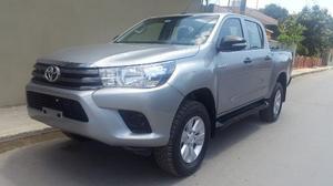 Toyota Hilux Doble Cabina  Menos De 2mil Km