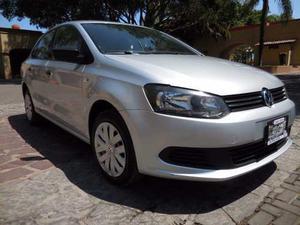 Volkswagen Vento  Vento  Starline Std Vento 1.6l 5p