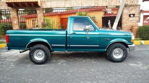 Ford F-150 Pick Up 4x2 V8 Estándar