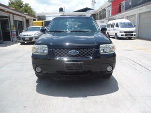 Ford Escape XLS  Negra