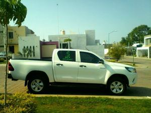Toyota Hilux , Doble Cabina, Kilometraje .
