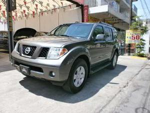 Nissan Pathfinder  Le Luxury 4x4