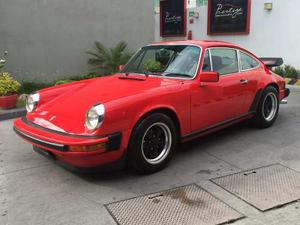 Porsche 911 Carrera ( Año: