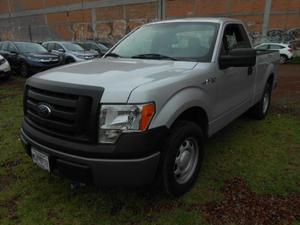 Ford F  pickup XL Crew Cab 4x2 V8 5.0L