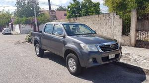 TOYOTA HILUX  EQUIPADA IMPECABLE