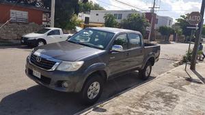 Toyota Hilux  std con clima equipada
