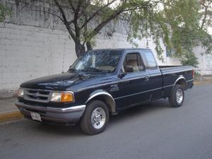 Ford Ranger xlt cab y media