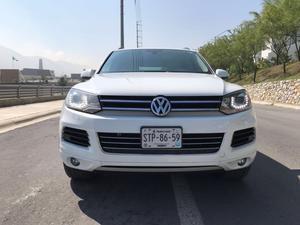 Volkswagen Touareg TDI V
