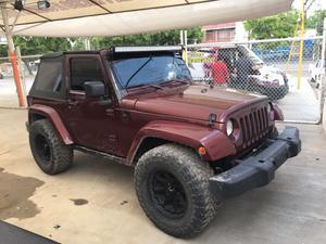 Jeep 4x con accesorios $ negociable si cambios