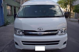 Toyota Hiace A/A 15 Pasajeros 12