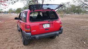 Jeep Grand Cherokee Laredo 4x4 Automática Mod. 97.