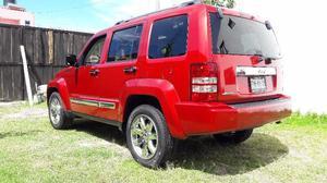 flamante jeep Liberty  qcoco eléctrica automática