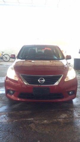 Nissan Versa exclusive automático