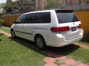 Camioneta Familiar 7 pasajeros Honda Oddysey