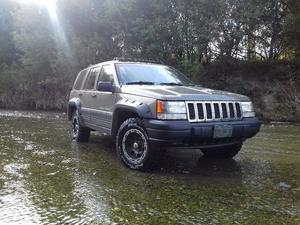 Jeep Grand Cherokee laredo impecable