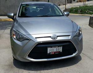 Toyota Yaris R Mid Standar