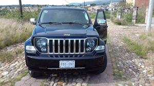 Bonita Jeep Liberty impecable Super Equipada