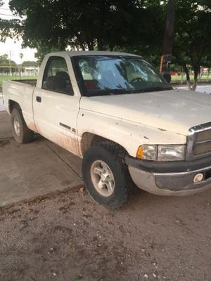Dodge Pick Up buena para la chamba