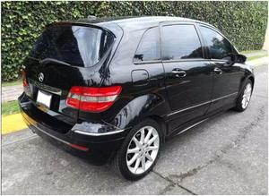 IMPECABLE MERCEDES B200