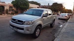 Toyota Hilux  std con con clima factura original