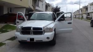 Dodge Dakota x4, Cabina y media, motor 4.7 L