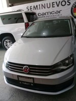 VW Vento Comforline Std  plata