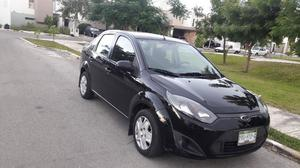 Ford fiesta Ikon  sedan impecable