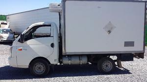 vendo HYUNDAI H -100 diesel  con caja refrigerante