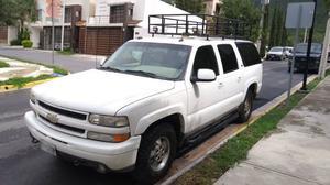 Chevrolet Suburban 4x4 piel