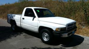 pickup ram  estándar.
