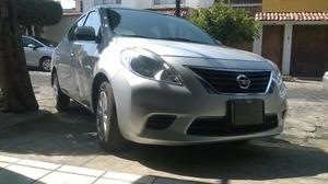 Nissan VERSA  impecable!!