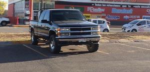 Chevrolet silverado 95 4x4 estándar.